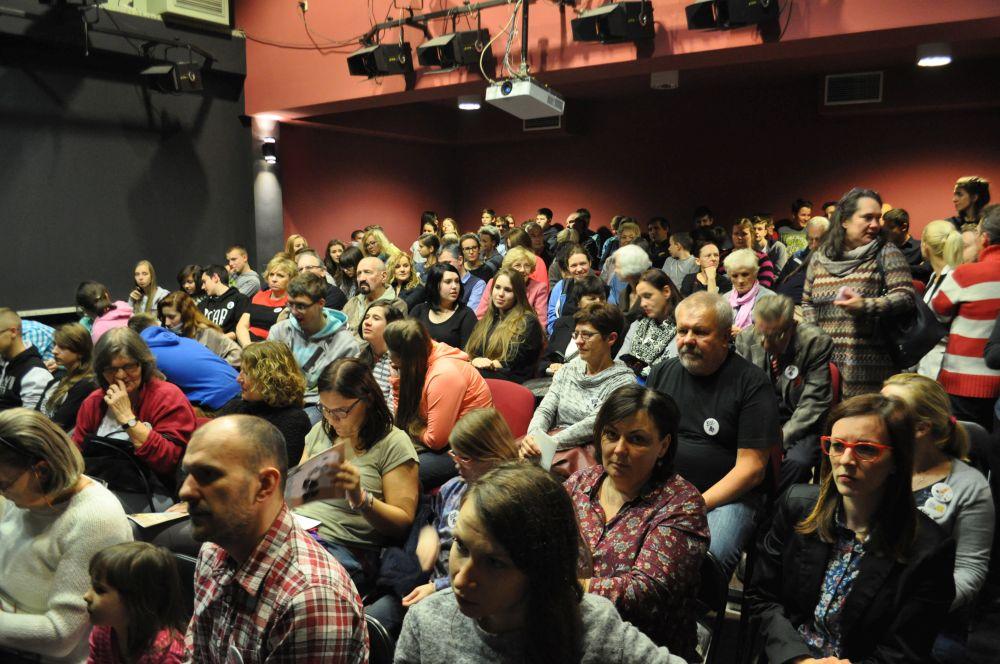 Gramy a nie cpamy, teatr nastolatki, Fundacja Zobacz JESTEM (1)