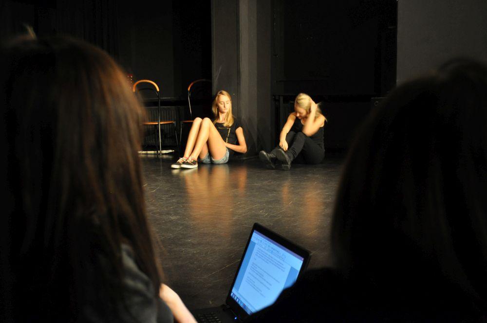 Gramy a nie cpamy, teatr nastolatki, Fundacja Zobacz JESTEM (3)