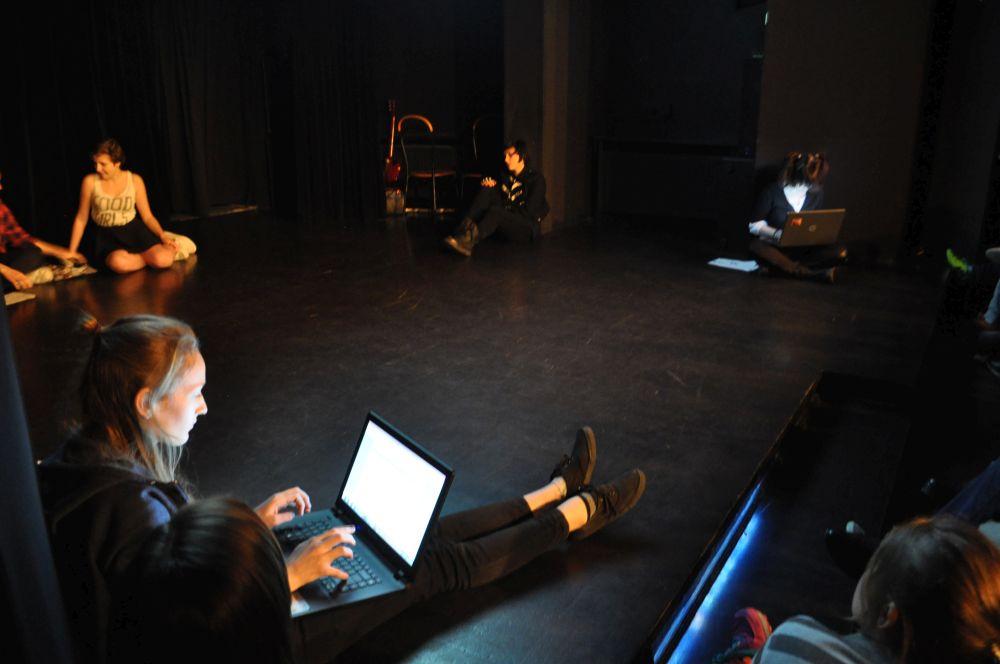 Gramy a nie cpamy, teatr nastolatki, Fundacja Zobacz JESTEM (4)